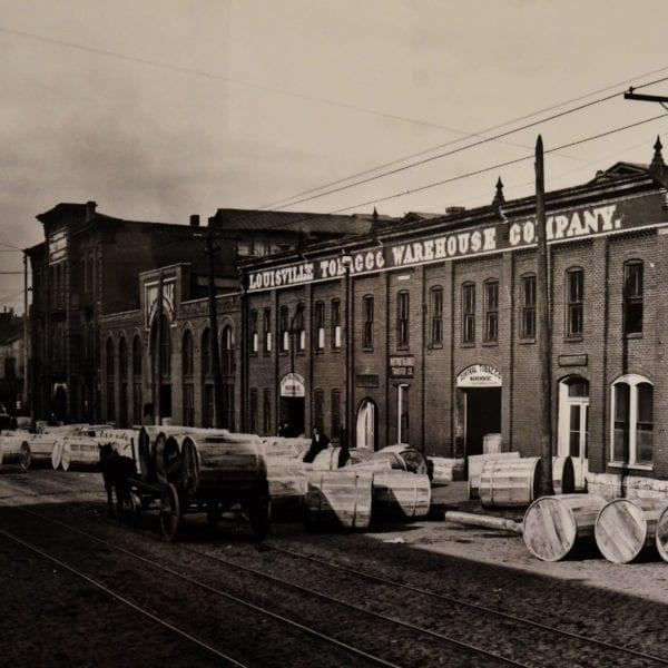 Louisville Tobacco Warehouse. Peerless begins production.