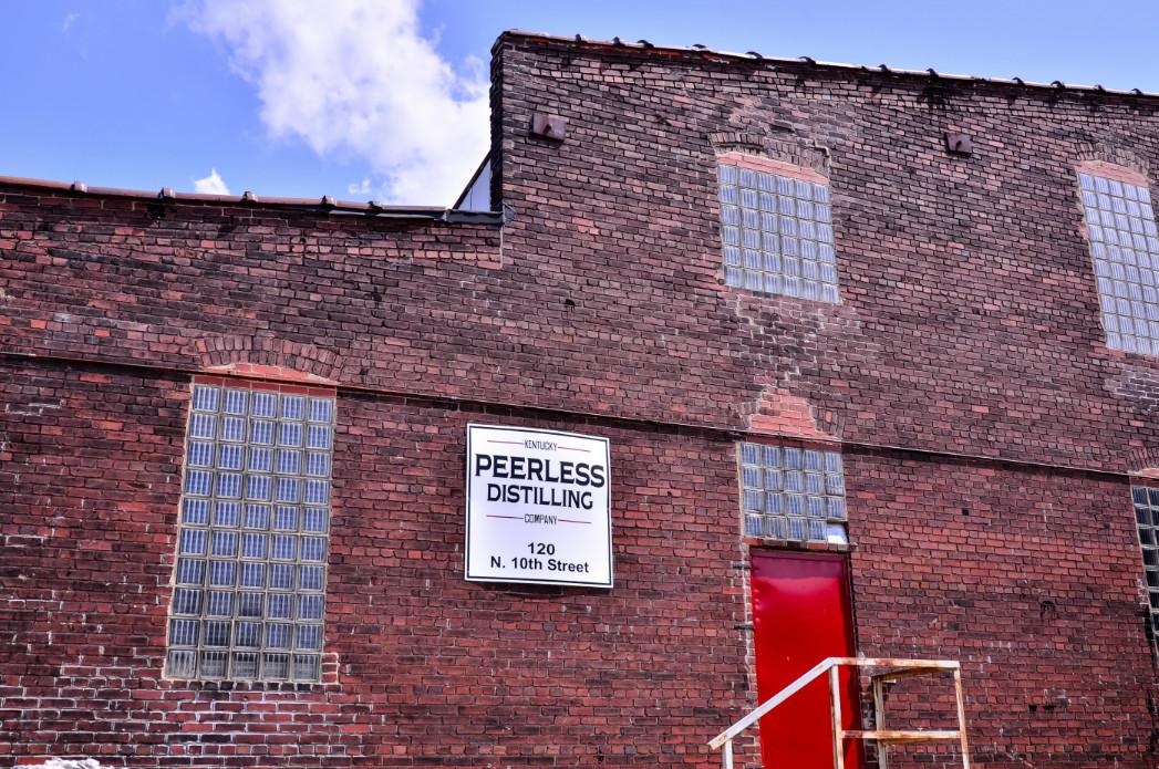 Peerless-header_0